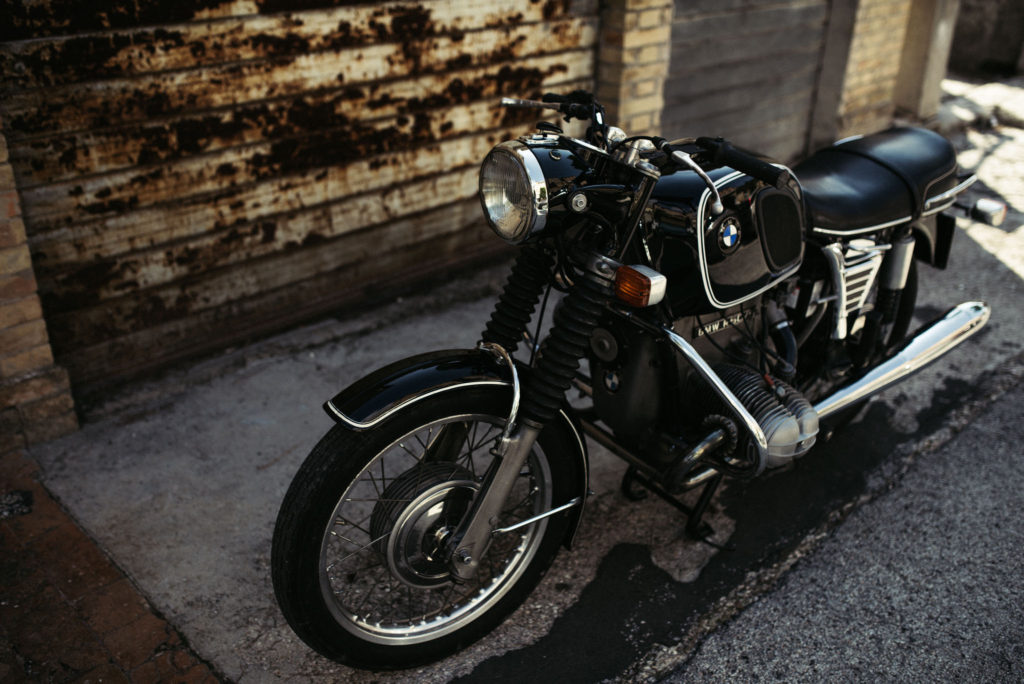 marcotaddei-marco-taddei-marcotaddei-fashion-blogger-uomo-sartoria-tailored-bespoke-tailoring-menswear-dapper-dope-italian-gentleman-outfit-watch-luxury-instagram-marcotaddeiofficial-biker-bmw-moto-r50\5-vintage-car
